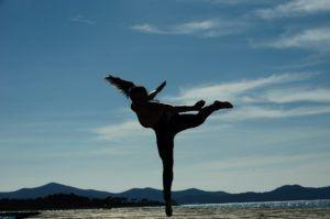dancing-934462_1920